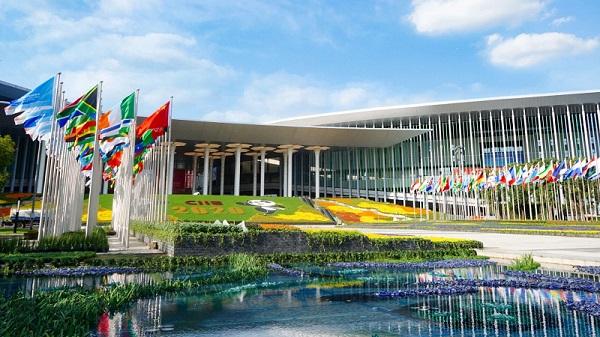 依木展览连续4届登榜中国国际进口口博览会(进博会)指定特装搭建服务商